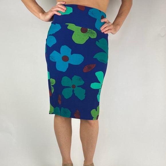 LuLaRoe Floral Skirt size XS Greens, Blues & Wine